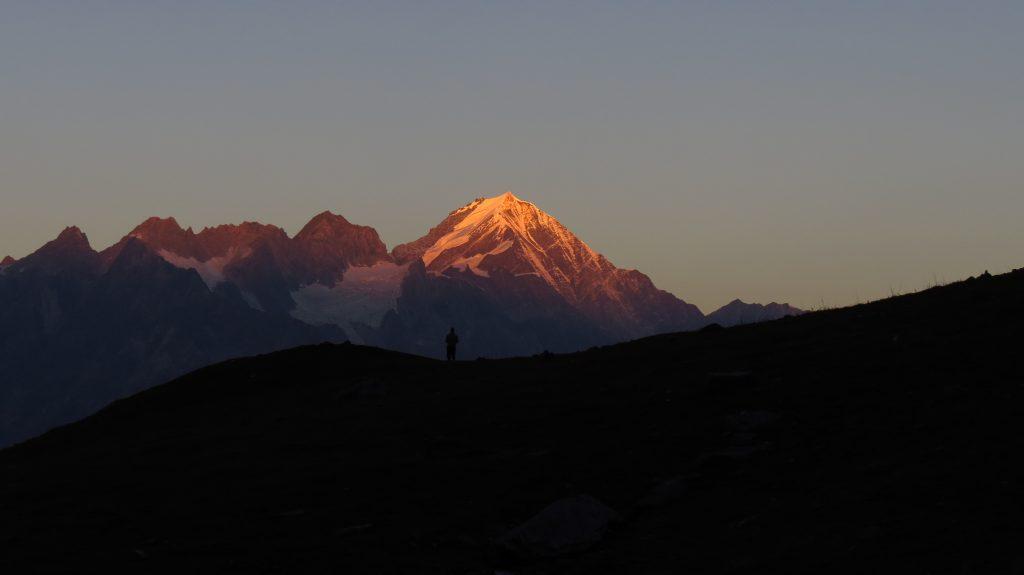 trekking-1742814